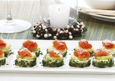 These tasty Cucumber Cream Canapés are sure to be a hit this Christmas Day. Yummy Appetizers, Delicious Desserts, Bread Shaping, Healthy Food, Healthy Recipes, Canapes, Appetisers, Veggie Dishes, Starters