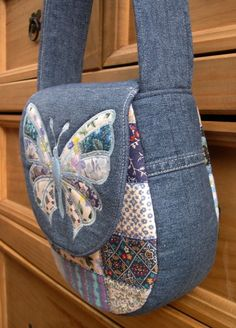 Best 11 Side view of Butterfly Bag - Empire Vital Denim Bag Patterns, Bag Patterns To Sew, Tote Pattern, Sewing Patterns, Denim Tote Bags, Denim Purse, Denim Backpack, Patchwork Bags, Quilted Bag