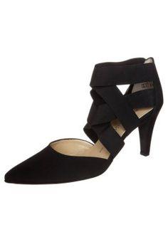 Peter Kaiser ORGA  http://pixiie.net/shop/peter-kaiser-orga-high-heels-black/