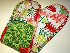 Heart Shaped Pot Holders   AllFreeSewing.com