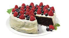 Gâteau au chocolat sans gluten avec glaçage au fromage à la crème et yogourt grec