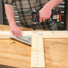 Build this ingenious, handy, adjustable sawhorse in a few hours to add to your jobsite arsenal. You can build a pair this weekend! Sawhorse Plans, Workbench Plans Diy, Easy Woodworking Projects, Diy Wood Projects, Woodworking Shop, Diy Cutting Board, Wood Cutting Boards, Adjustable Sawhorse, Saw Horse Diy