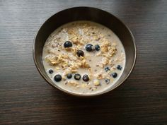 Oats + milk + flax + cinnamon + blueberries = Delicious and healthy breakfast <3 Yum!