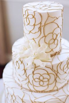 Wedding cake idea; Featured Photographer: Stephanie Brazzle Photography