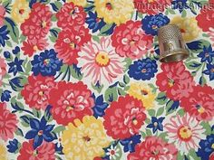 SO Pretty! 2+yds PACKED Floral VINTAGE 30s Cotton Quilt Dress Fabric 32w
