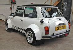 Nice Fancy Cars, Cool Cars, Classic Mini, Classic Cars, Mini Driver, Automobile, Microcar, Bmw, Mini Cooper S