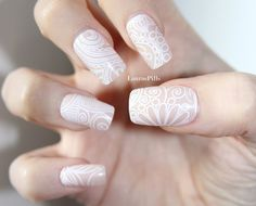 White lace nude false nails. Set of 12 false nails by LaurasPills