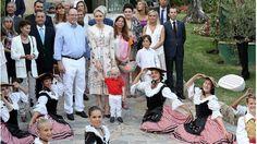 Monacos Fürstenpaar - Großer Auftritt mit Mini-Monegasse - http://ift.tt/2cBP2gZ