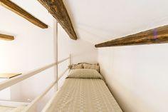 #cinqueterreapartments #bedroom