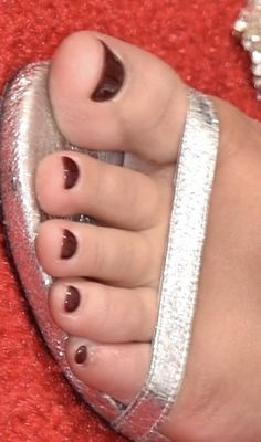 Beautiful Toes, Pretty Toes, Summer Toe Nails, Vintage Posters, Jewlery, Flip Flops, Pie, Celebs, Fashion