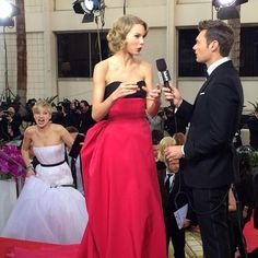 I dont even know what board to pin this but it is sp hilarious i couldnt resist god i love Jennifer Lawrence