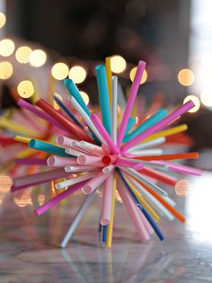It's a straw starburst ornament - a strawburst! Get the tutorial at Aunt Peaches. (You'll need some zip ties! Crafts To Sell, Diy And Crafts, Crafts For Kids, Christmas Music, Christmas Crafts, Christmas Ornaments, Christmas Ideas, Star Decorations, Christmas Decorations