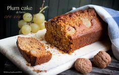 Plum cake di farro con uva e noci senza burro né uva, un dolce leggero perfetto per la colazione, ricco di fibre e con i benefici effetti dei semi oleosi.