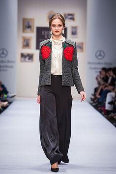 Propuesta inspirada en los bordados oaxaqueños por Lydia Lavín IO 2015.