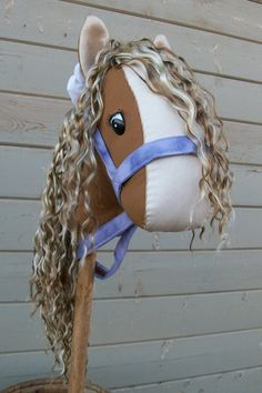 stick horse for Riley Horse Birthday Parties, Cowgirl Birthday, Felt Crafts, Fabric Crafts, Stick Horses, Princess Tea Party, Horse Party, Hobby Horse, Western Theme