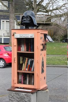 Little Free Library in Seattle... I want to start one of these in Sacramento!