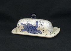 Butter Dish.Blue Sea Turtle Knobbed Butter Dish. Blue. Sea. Turtle. Handmade by Sara Hunter Designs.