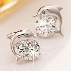 Shape\pattern: AnimalMaterial: Cubic ZirconiaGender: WomenStyle: Cute/RomanticBack Finding: Push-backEarring Type: Stud EarringsItem Type: EarringsFine or Fashion: FashionMetals Type: Silver Plated