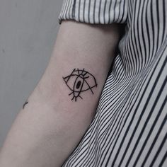 minimalist-tattoos-181__605
