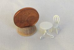 Tavolino tondo in metallo laccato con seggiolina by minifromItaly