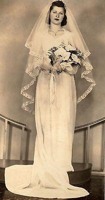 VINTAGE PHOTO -WEDDING DRESS- BRIDE-