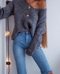Cute outfit, this is perfect for the transition from Winter to Spring. We love it! | Awesome and stylish outfit ideas for women who follow fashion.