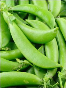 This is a guide about freezing snow peas (sugar, Chinese, or sugar snap peas). Freezing is a good way to preserve the overflow of your garden pea crop. Weight Watchers Snacks, Snow Peas, Grazing Tables, Sugar Snap Peas, Alkaline Diet, Organic Seeds, Green Peas, Fruits And Veggies, Freezing Vegetables