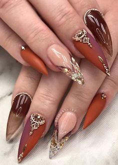 Trend Stiletto Nails in Stiletto Coffin Nails; Nails Acrylic; The post Trend Stiletto Nails in Stiletto Coffin Nails; Nai& appeared first on Nails. Gold Nail Designs, Fall Nail Art Designs, Acrylic Nail Designs, Acrylic Art, Cute Nails, Pretty Nails, My Nails, Birthday Nail Art, Uñas Fashion