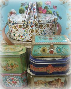 LizlovesVintage Collection of Tins