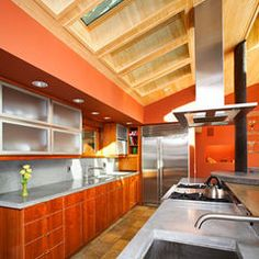 A Minimal Soffit Can Be Used To Install An Island Mount Range Hood Under A Ceiling That S Too