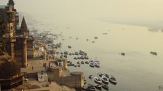 Il Gange a Varanasi I 7 sacri fiumi dell' India.