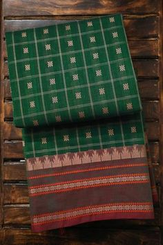Thousand Buttas Green Kanchi Cotton Saree Kanjivaram Sarees Silk, Kanchipuram Saree, Half Saree Designs, Blouse Designs, Checks Saree, Costumes Around The World, Cotton Sarees Online, Indian Wedding Wear, Bridal Silk Saree