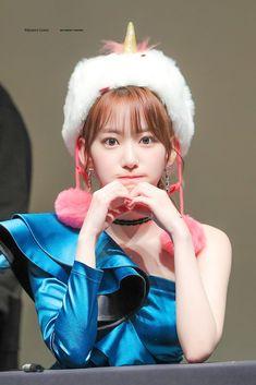 Photo album containing 22 pictures of Sakura Sakura Miyawaki, Japanese Girl Group, Extended Play, Latest Images, Perfect Photo, Sweet Girls, Pretty People, Girl Crushes, Mini Albums