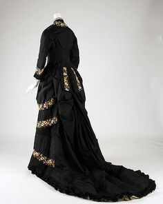 Dinner dress  c1878-79 Design House: Mon. Vignon (French) Culture: French Medium: silk, cotton Dimensions: Length at CB (a): 31 in.  Length (b): 63 in. Accession Number: C.I.69.14.3a, b For more views, see other pins.