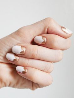 Sally Hansen's global color ambassador, Madeline Poole, shares an oh-so-pretty rose-gold nail art look exclusively with Allure. Gold Manicure, Gold Nail Art, Rose Gold Nails, Manicure Ideas, Pink Nails, Nail Ideas, Nail Remover, Bridal Nails, Beauty Nails