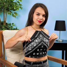 Creative uses for bandanas Diy Fashion, Ideias Fashion, Fashion Outfits, Fashion Tips, Diy Clothes Videos, Clothes Crafts, Diy Crafts Hacks, Diy Home Crafts, July Crafts