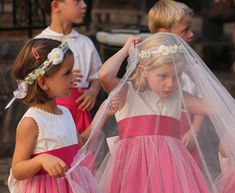 Flower Girls Playing With The Bride's Veil. How Cute! Girls With Flowers, Flower Girls, Bride Veil, Girls Dresses, Flower Girl Dresses, Page Boy, Couture, Cute Dolls, Fancy Dress