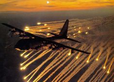 C-130 Gunship   VIDEO DE UN AC-130 Destruyendo una base Talibán en Afganistán (Aviso ...