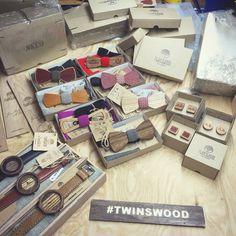 Традиционно по четвергам мы отправляем ваши заказы. Уникальные изделия из дерева от #TwinsWood популярны во всем  мире. Часы из дерева @TwinsWatch , галстуки бабочки из дерева @TwinsBowTies , запонки из дерева с именной гравировкой, кошельки из дерева, все это #TwinsWood !!! Мы придумали идеальный подарок. Еще больше идей для подарка на нашем сайте www.TwinsWood.ru / International store www.TwinsWood.com // #TwinsWatch #TwinsBowTies #БАБОЧКАИЗДЕРЕВА #деревяннаябаочка #галстукбабочкаиздерева