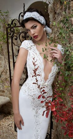 http://www.cuded.com/2015/01/berta-2015-bridal-collection/