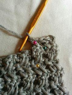簡単!かぎ針模様編みスヌードの編み方|Crochet and Me かぎ針編みの編み図と編み方 Knitting, Crochet, Pattern, Crochet Hooks, Tricot, Patterns, Stricken, Knitwear, Crocheting