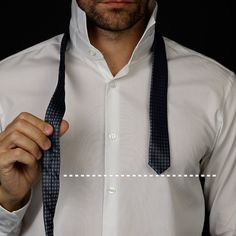 How to tie a tie like a pro! Blazer Outfits Men, Stylish Mens Outfits, Clothing Hacks, Mens Clothing Styles, Tie Knot Steps, Tie A Tie Easy, Cool Tie Knots, Tie A Necktie, Fashion Infographic