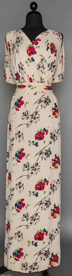 Long Printed Crepe Summer Dress, 1940s, White bias cut, floral print in diagonal rows, sleeveless surplice bodice, low V back, Augusta Auctions, November 11, 2015 NYC