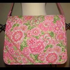 Vera Bradley Petal Pink Messenger Bag Who doesn't love PINK? This is a messenger/laptop bag. Rarely used - in flawless condition. Add this great bag to your collection today! Vera Bradley Bags Laptop Bags