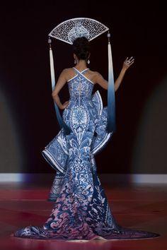 Porcelain-Inspired Fashion -  Guo Pe