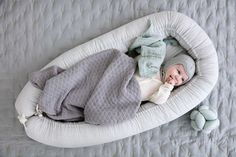 Cozy baby nest made in organic cotton, that gives your baby extra comfort. The baby nest has foam mattress and adjustable sides, and is perfect in the transition from sleeping in mother's womb to own crib. The nest can be adjusted in length to fit. Baby Swaddle, Wave Pattern, Baby Online, Foam Mattress, Kidsroom, Cool Baby Stuff, Timeless Design, Copenhagen, Bassinet