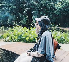 . . Kadang apa yg kita dapatkan tidak seperti apa yg kita harapkan. Namun percayalah bahwa apa yg kita dapatkan adalah terbaik untuk diri kita. . . . Karena Muslimah #Sholehah itu Istimewa by @ta.lithanabila_ . . . #surgadakwah #sahabatsurga #sahabatmuslimah #sahabattaat #beraniberhijrah #hijrahsantun #viral #via #indonesia #paidpromote Hijab Niqab, Hijab Chic, Muslim Girls, Muslim Women, Hijab Hipster, Hijab Dpz, Niqab Fashion, Girl Hijab, Islamic Pictures