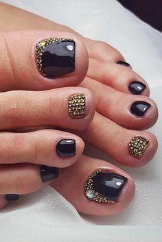 black rhinestones toe nail design