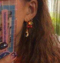 Amethyst Point Earrings, Raw Purple Amethyst Crystal Studs, Modern Prong Earrings, Amethyst and Rose Gold Jewelry, February Birthstone Gifts - Fine Jewelry Ideas Ear Jewelry, Cute Jewelry, Jewelry Accessories, Jewlery, Amethyst Crystal, Purple Amethyst, Accesorios Casual, Rich Girls, Cute Ear Piercings