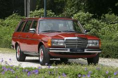 Mercedes 230TE W123 Kombi - june 1984   Brand Mercedes Type 230TE W123 Kombi Motor 4cyl 2276cc 100kw/136hp gasoline, manual transmission 4 gears Mileage 103.176 km Year June 1984 Colour Exterior 585 Altrot, interior Nadelstreifen beige fabric Price € 21.000,00